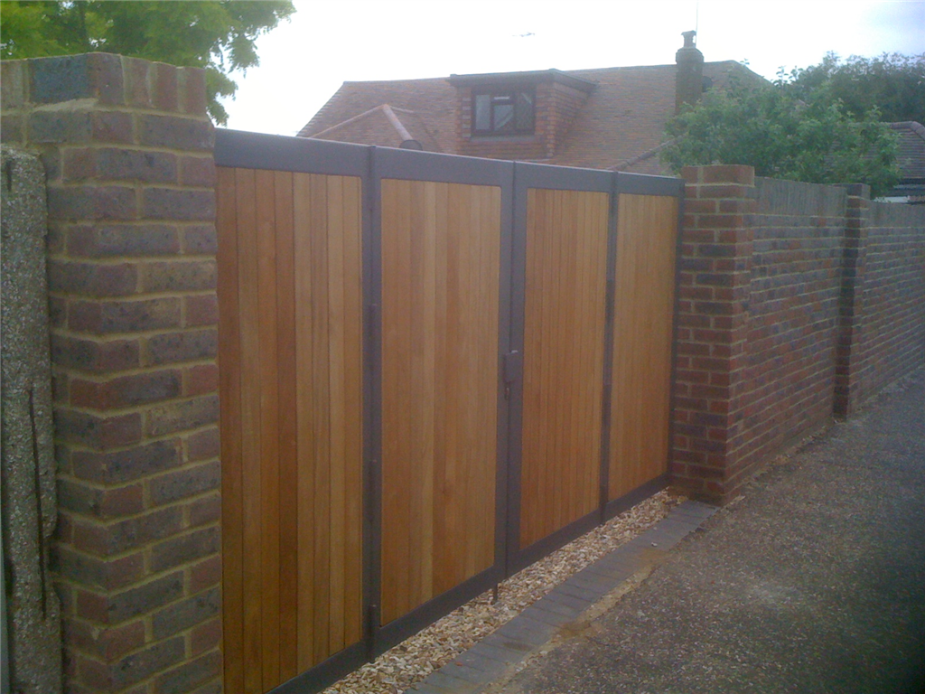 iroko by folding gates Gallery Image
