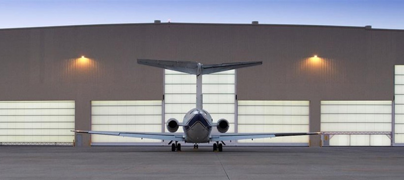 Megadoor hangar doors work seamlessly for large openings, particularly for shipyards and aircraft hangars. Gallery Image