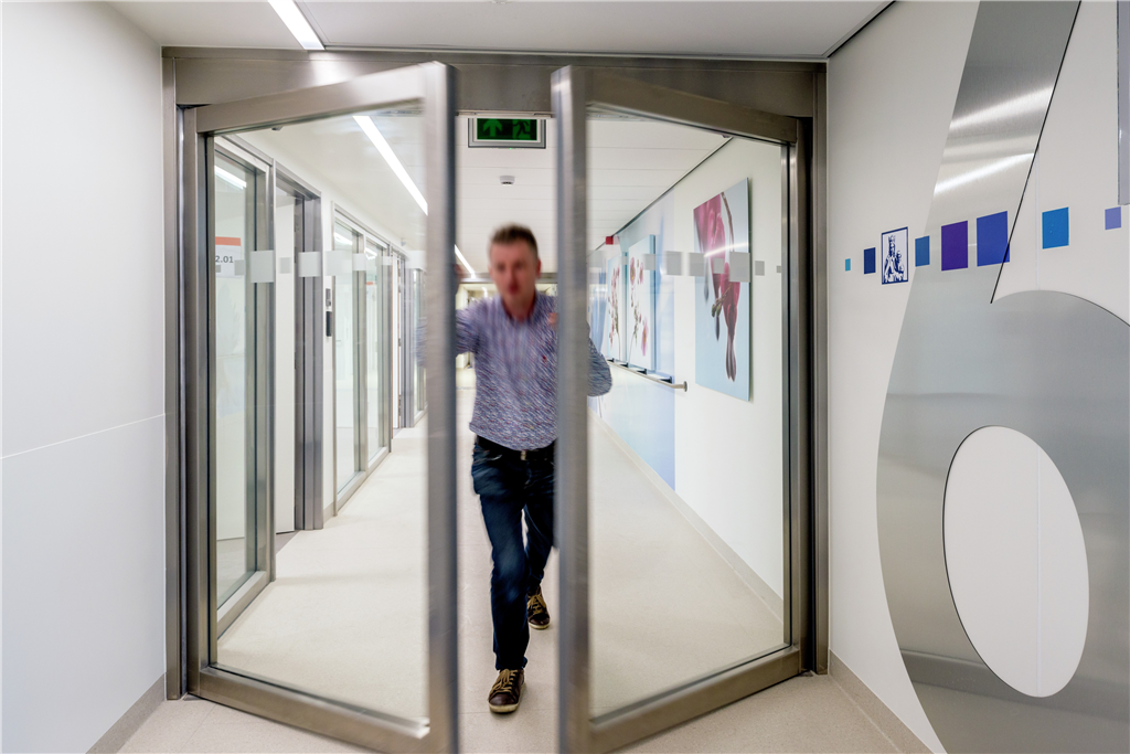 ASSA ABLOY Entrance Systems offer expert entrance systems advice to healthcare facilities. Gallery Image