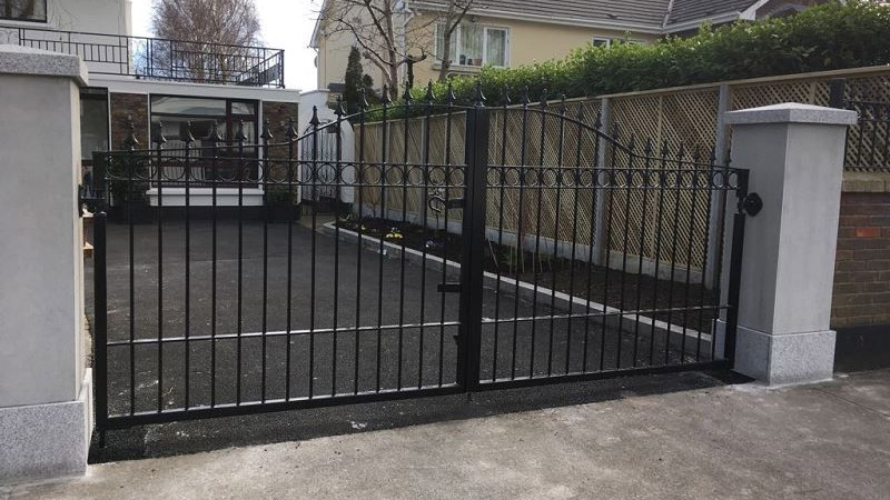 Fencing supplies in cork security wire fence