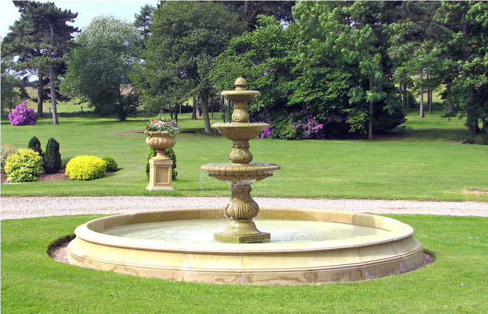 Fountain & Pool Surrounds Gallery Image
