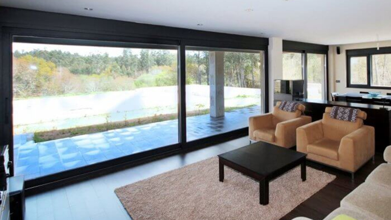 ST4-600 Lift & Slide Door Gallery Image