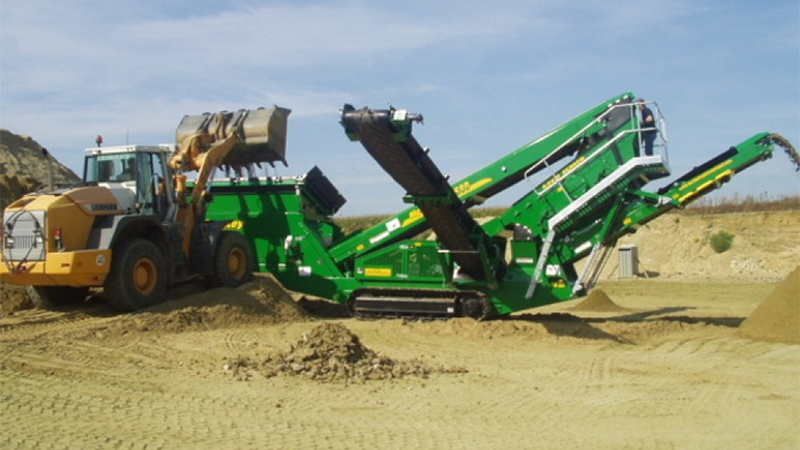 McCloskey S80 Vibrating Screener Gallery Image