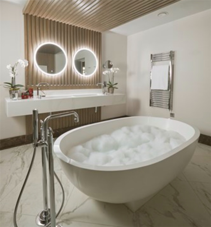 Silestone Eternal Calacatta Gold quartz moulded sink, The presidential suite, The Lowry Hotel, Manchester Gallery Image