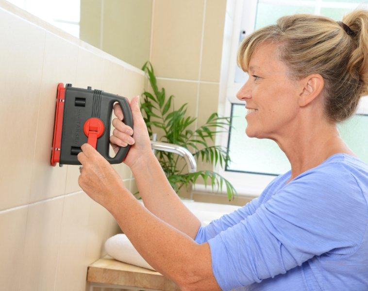 Drill through ceramic tiles with ease with our Takker Hardwall drill.  Gallery Image