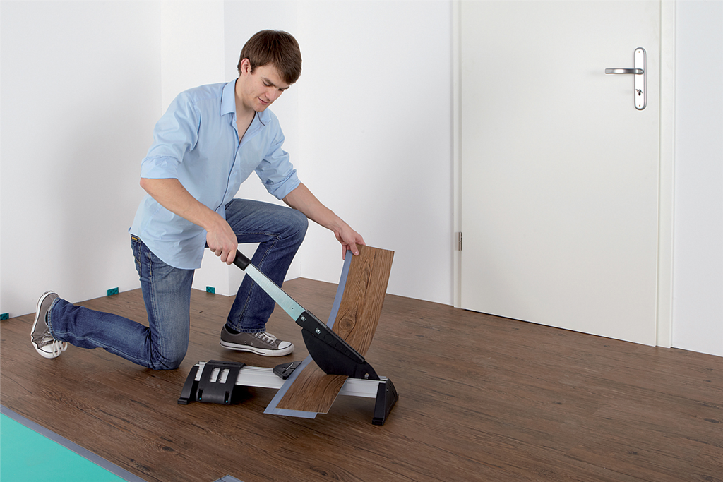 Floor Guillotines to cut Laminate and LVT flooring.  Gallery Image
